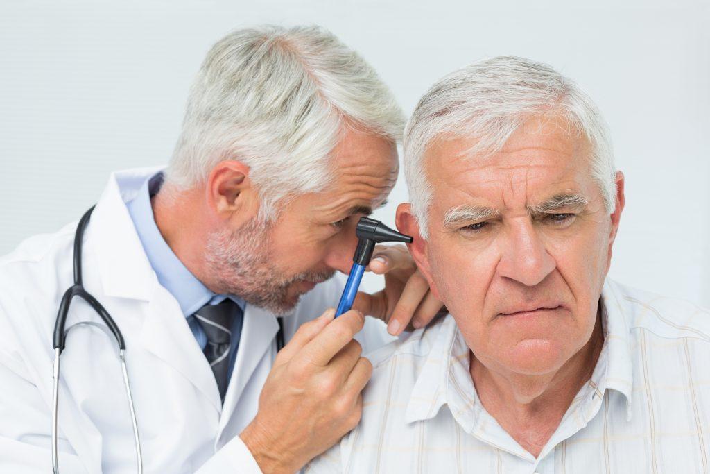 Ohr-Untersuchung